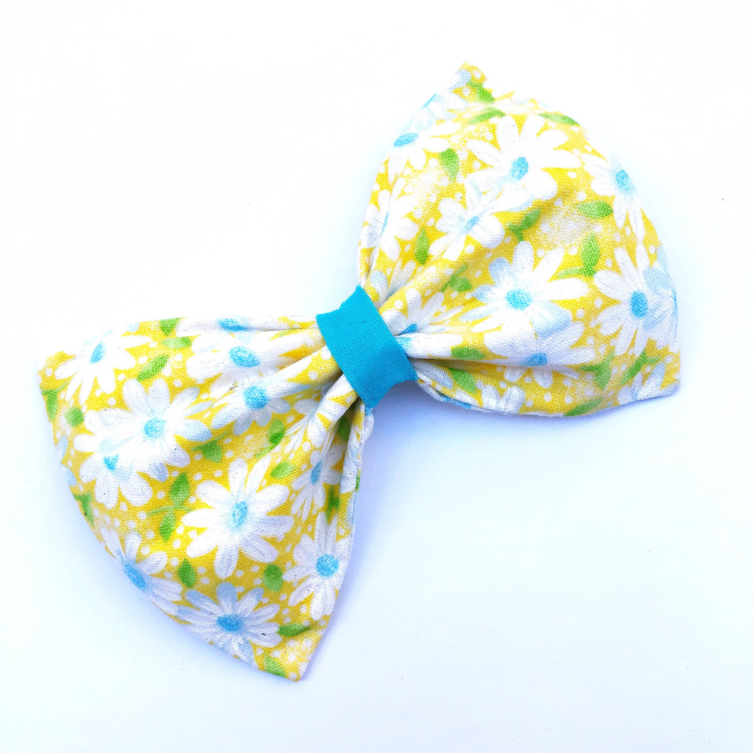 Yellow Daisy Bow Tie