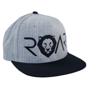 ROAR - SIGNATURE SERIES FLAT BILL - HEATHER GRAY AND BLACK SNAPBACK