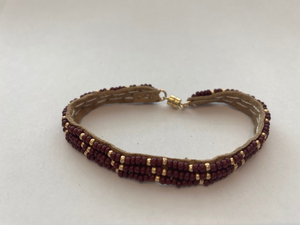 Sipolio Collection: 3 Dot Triangle Extra Small leather Bracelet (Burgundy, Gold)