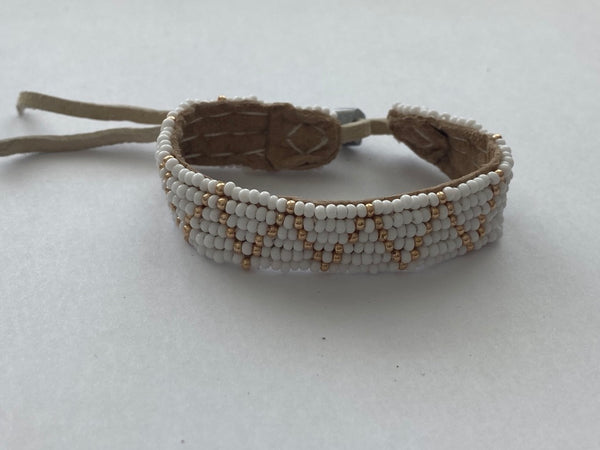 Sipolio Collection: Adjustable Leather ZigZag Bracelet (White & Gold)