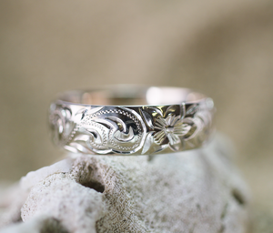 6mm Sterling Silver Hawaiian Heritage Plumeria and Fancy Scroll Ring - Hawaiian Jewelry