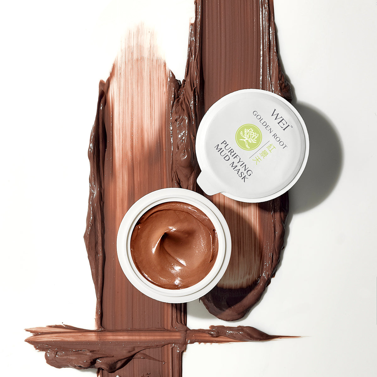 Golden Root Purifying Mud Mask deeply cleanses skin, purges toxins and impurities, and minimizes the appearance of pores and blemishes for an even, flawless complexion. Golden Root Purifying Mud Mask counteracts the oxidative causes of cell damage Pure China Clay absorbs toxins and removes dirt and dead skin cells. Jujube fruit extract has anti-inflammatory properties.