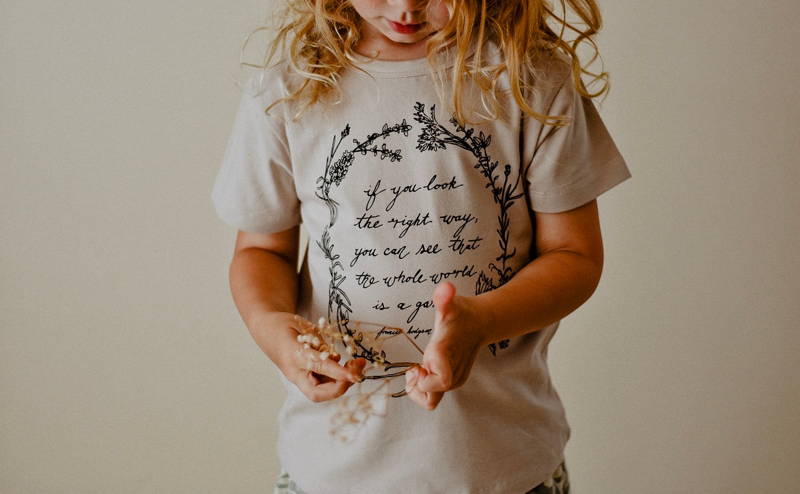 Herb Wreath KIDS Tee - Sand