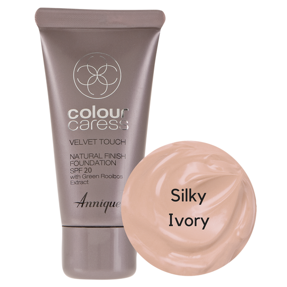 Velvet Touch Natural Foundation: Silky Ivory 30ml