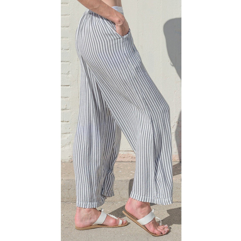 Striped wide leg pant. Side view.