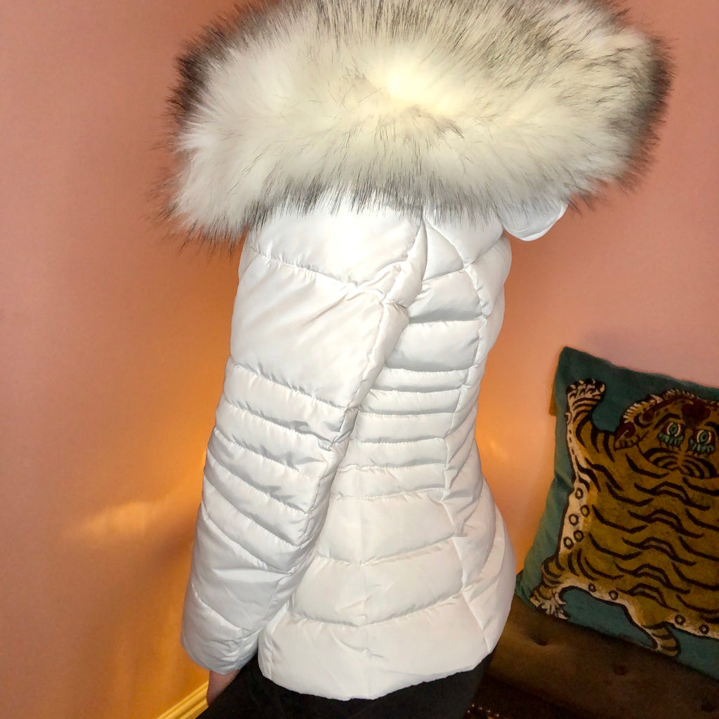 KOURTNEY WHITE PUFFER JACKET WITH FAUX FUR HOOD - Celeb Threads