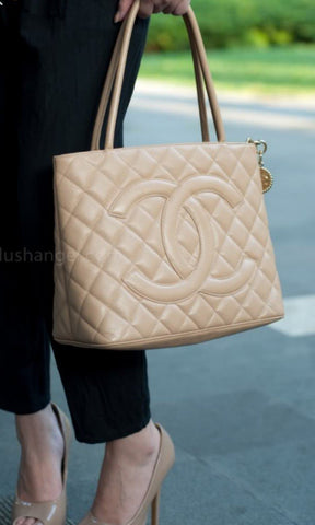 CHANEL | Medallion Caviar Beige