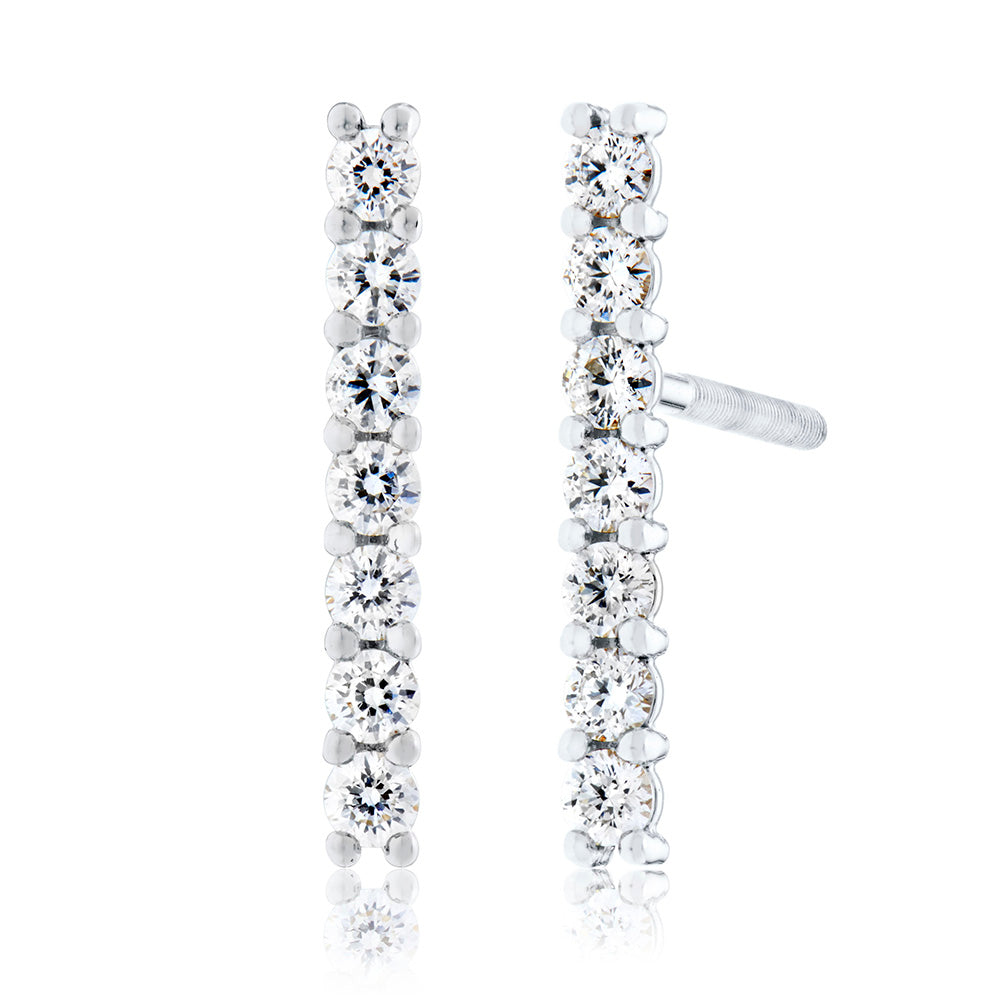 Classique Diamond Bar Stud Earrings in 18K Gold