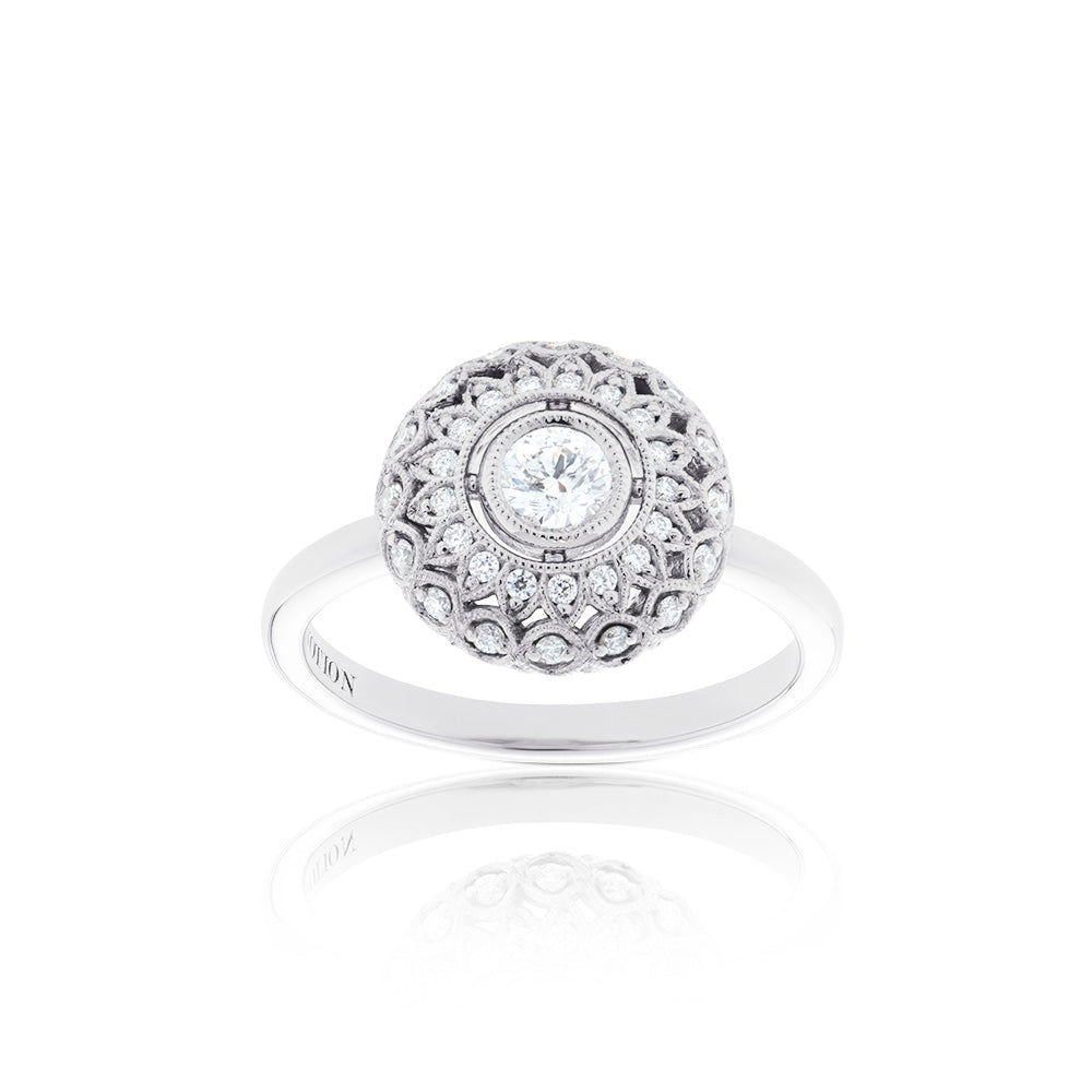 Lys Diamond Domed Ring in 18K Gold