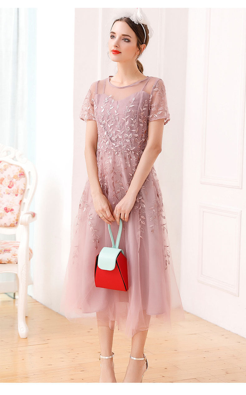 Embroidery Fashion Mesh Short-sleeved Dress