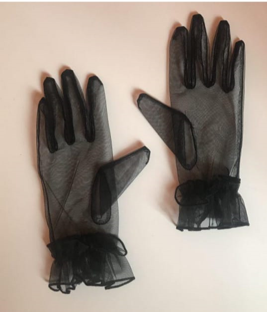 Ruffle Me Up Gloves