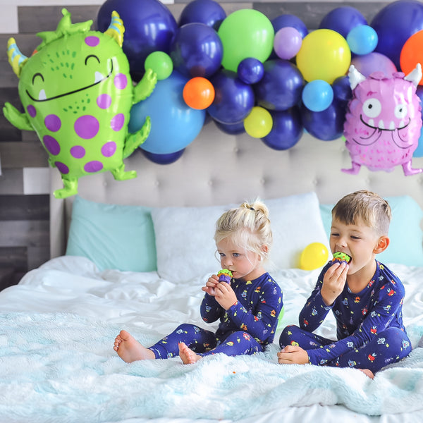 DIY Little Monsters Balloon Garland
