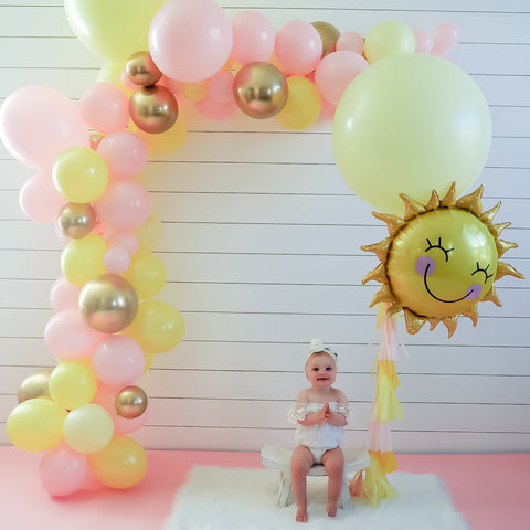 DIY Pink Lemonade Balloon Garland