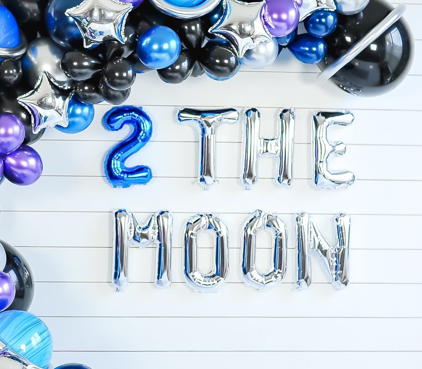 2 The Moon Balloon Banner