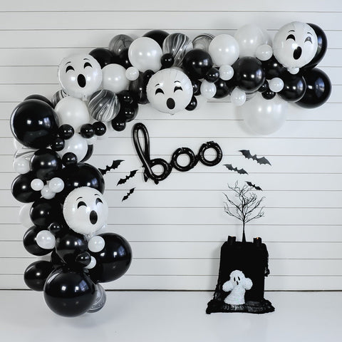 DIY Halloween Boo Balloon Garland
