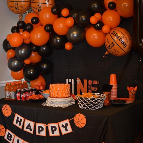 DIY Basketball Balloon Garland
