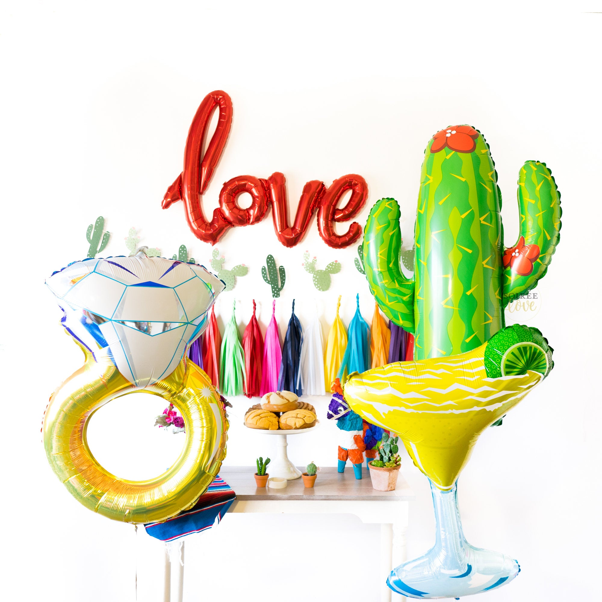 Fiesta Love Balloon Party Box