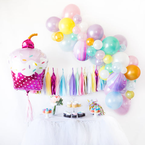 DIY Cupcake Balloon Garland