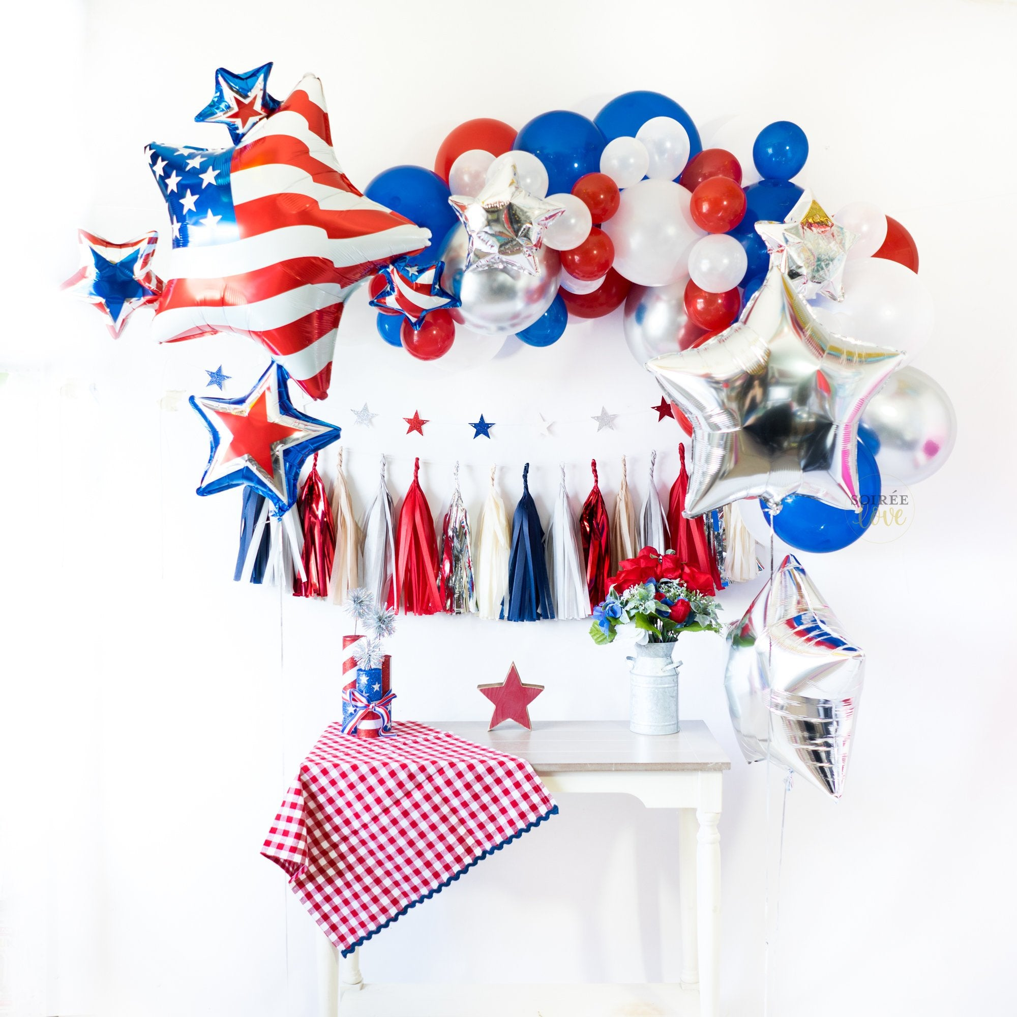 USA Vintage Flight Balloon Tassel Party Box