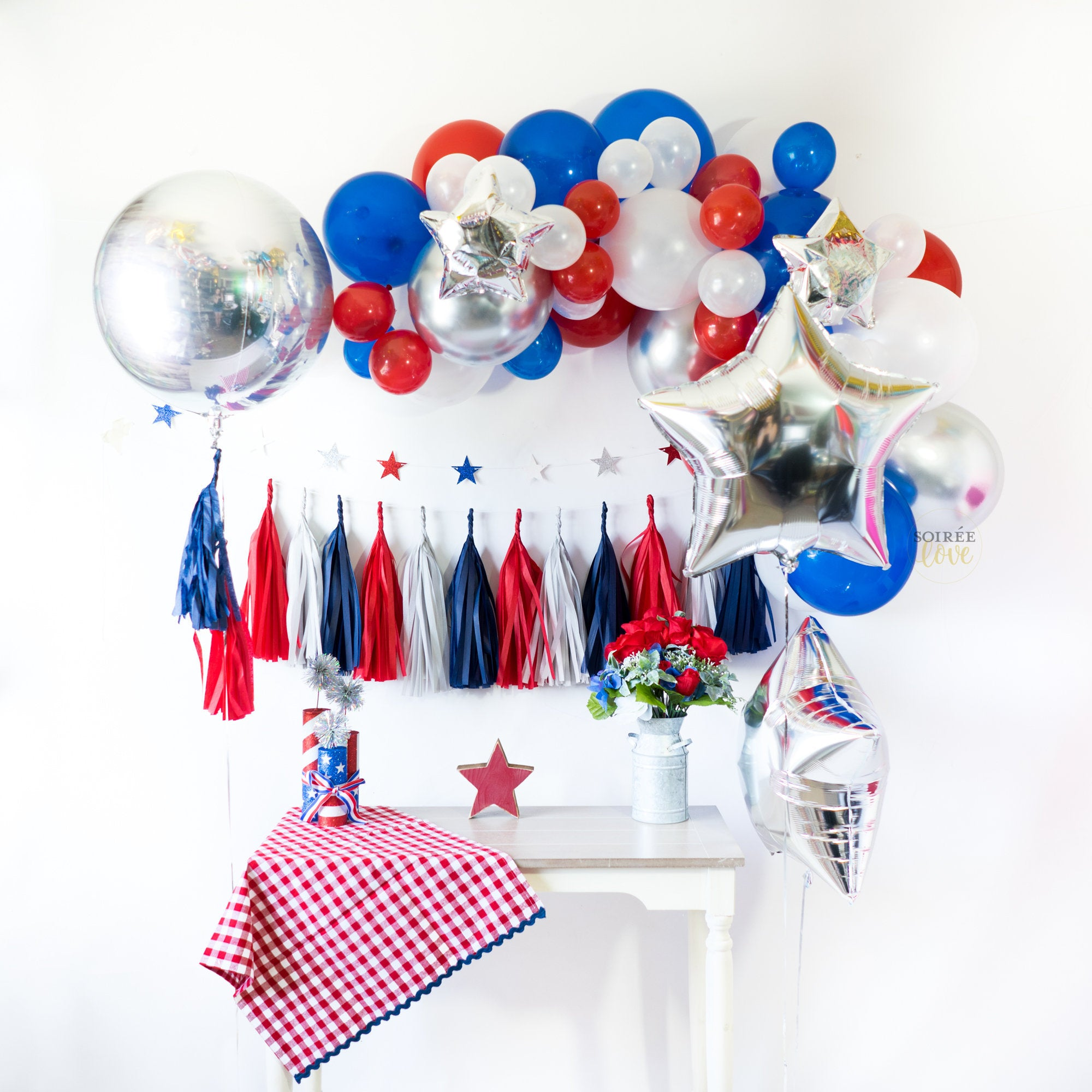 Brave Balloon Tassel Party Box