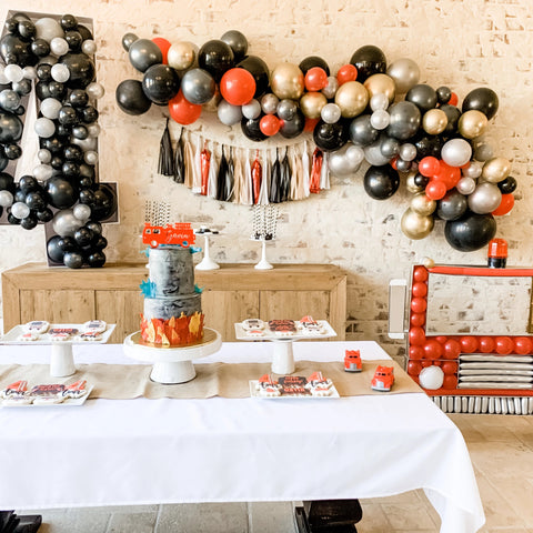 DIY Firetruck Balloon Garland