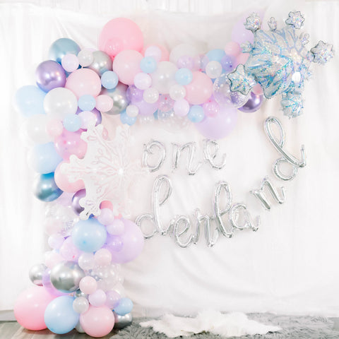 DIY Winter Onederland Balloon Garland