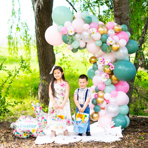 DIY Easter Garden Balloon Garland