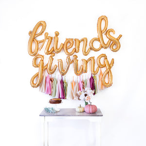 Script Friendsgiving Balloon Banner