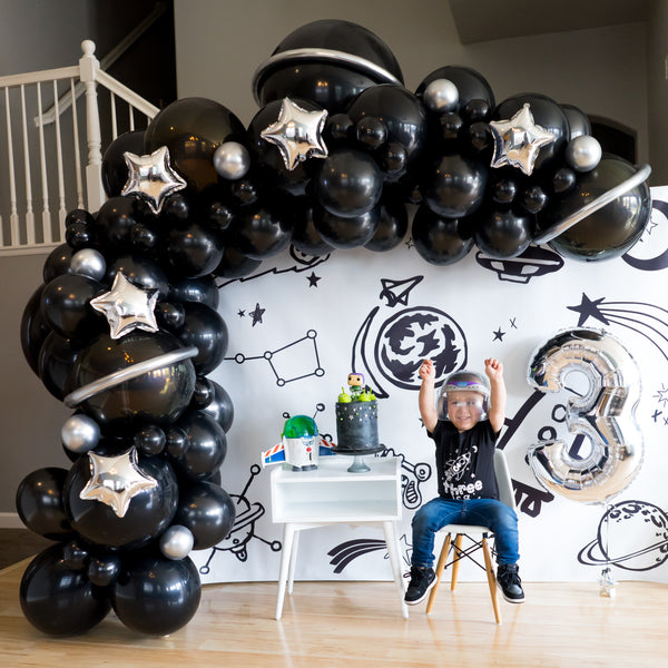 DIY Blast Off to Space Balloon Garland