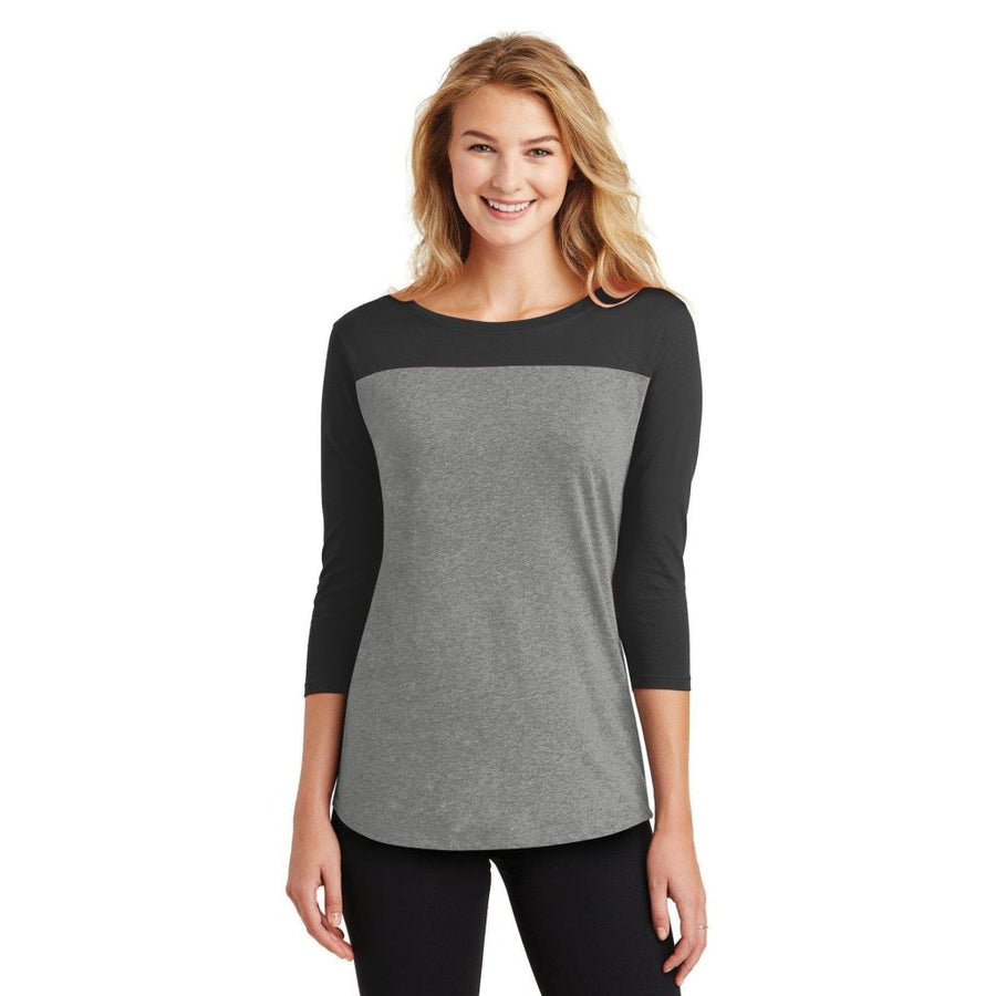 588158363a329 District® Juniors Rally 3/4-Sleeve Tee Dt2700 - Black/ Grey Frost