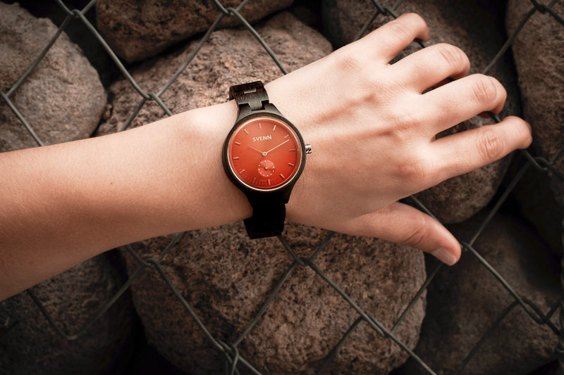 rouge wooden watch