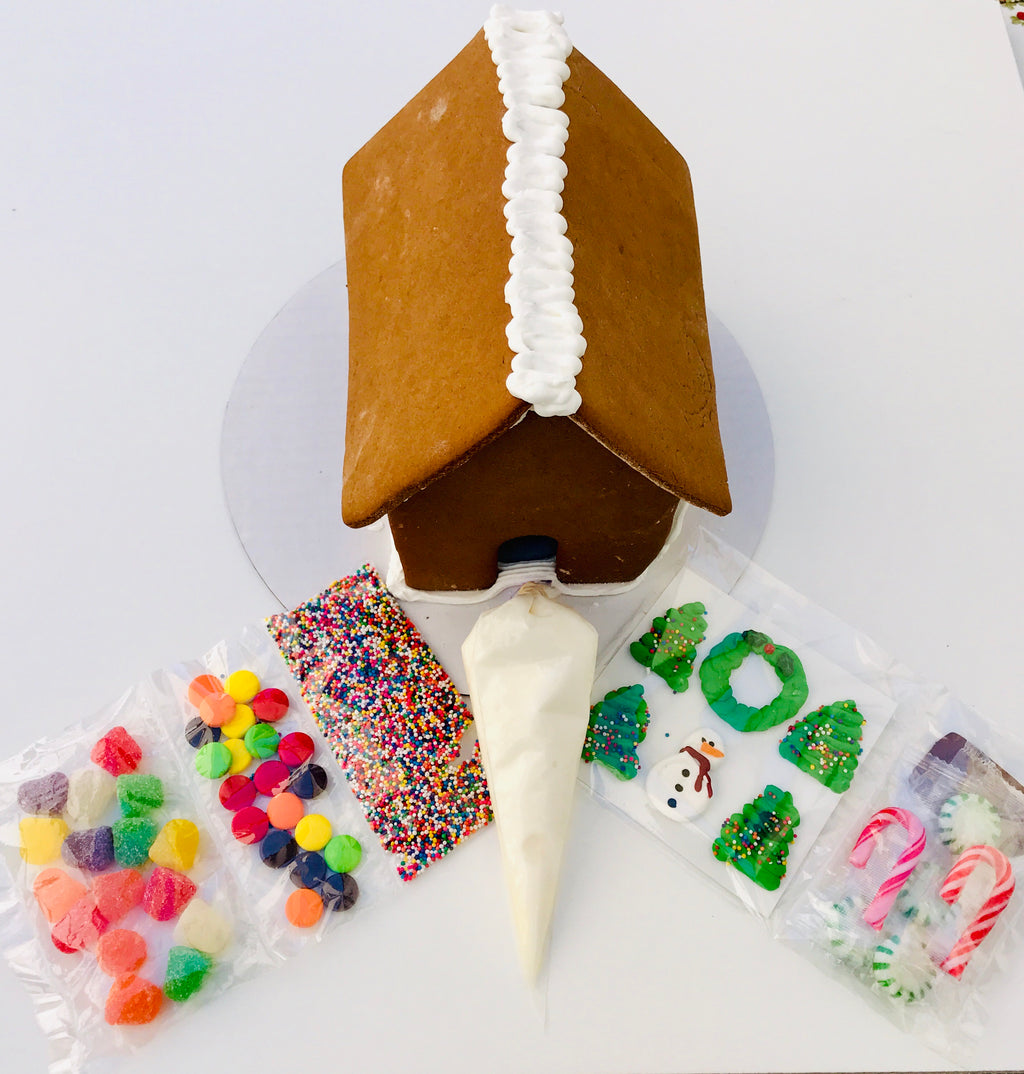 DECORATE YOUR OWN GINGERBREAD HOUSE KIT