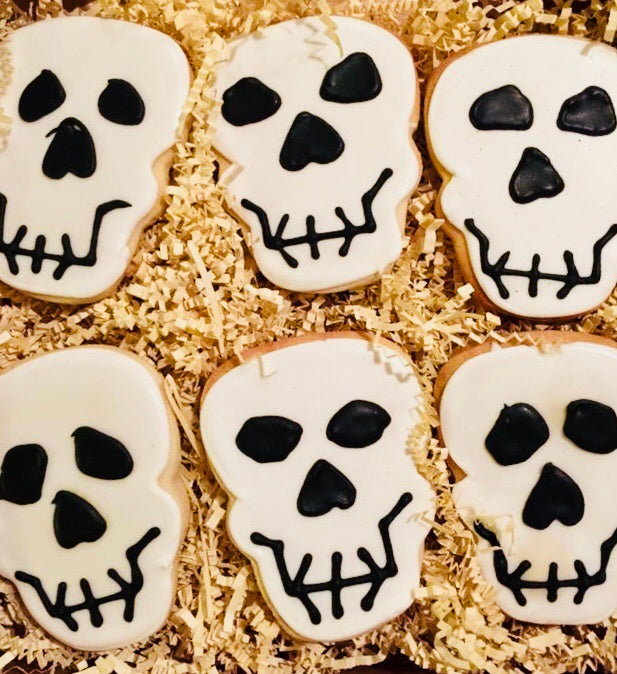 COOKIE BOX HALLOWEEN SKULLS