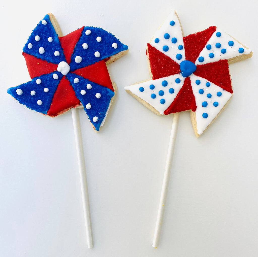 MEMORIAL DAY PINWHEEL COOKIE POPS