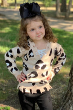 Load image into Gallery viewer, Kids Frayed leopard sweater