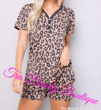 Load image into Gallery viewer, Leopard short sleeve lounge set