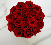Load image into Gallery viewer, Classic big white box - red roses