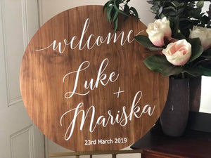 Round Wooden Welcome Sign