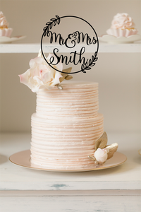 Cake Topper - Wreath w Mr & Mrs Smith - Silver Belle Design