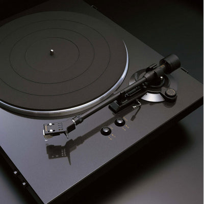 Denon DP-300F Moving Magnet Cartridge Turntable