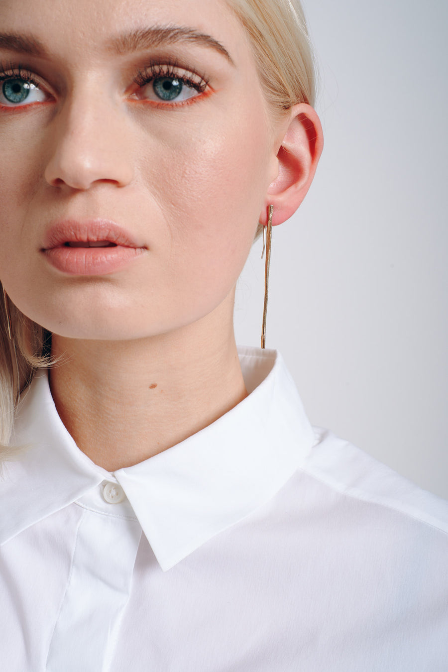 Stick earrings brass