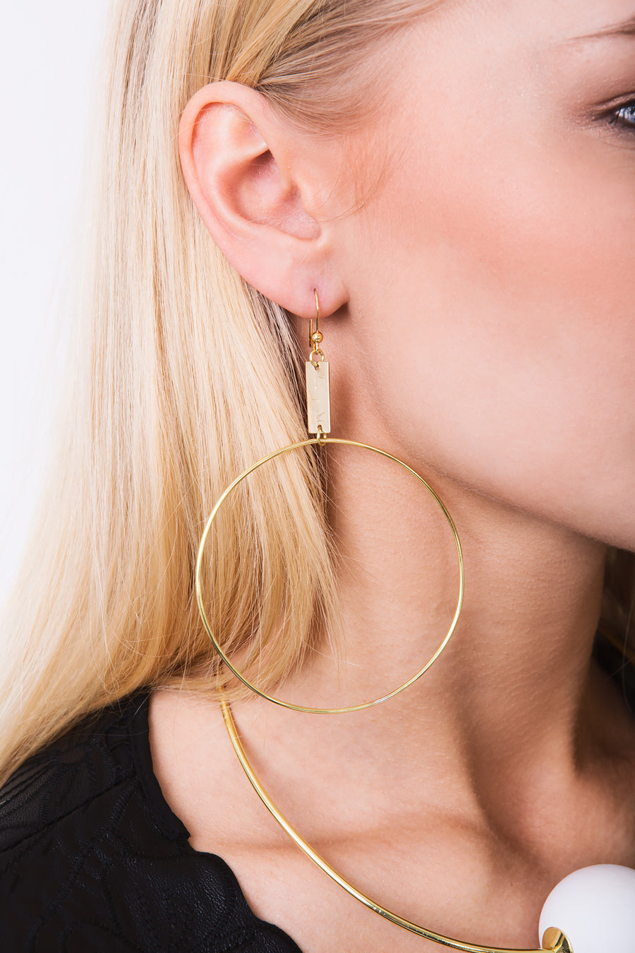 Donna hoops