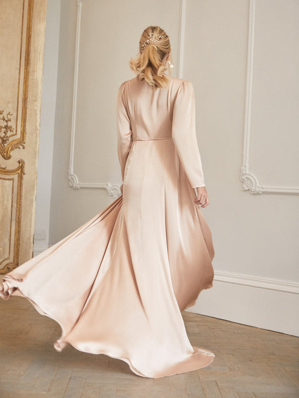 Evie dress in peach champagne
