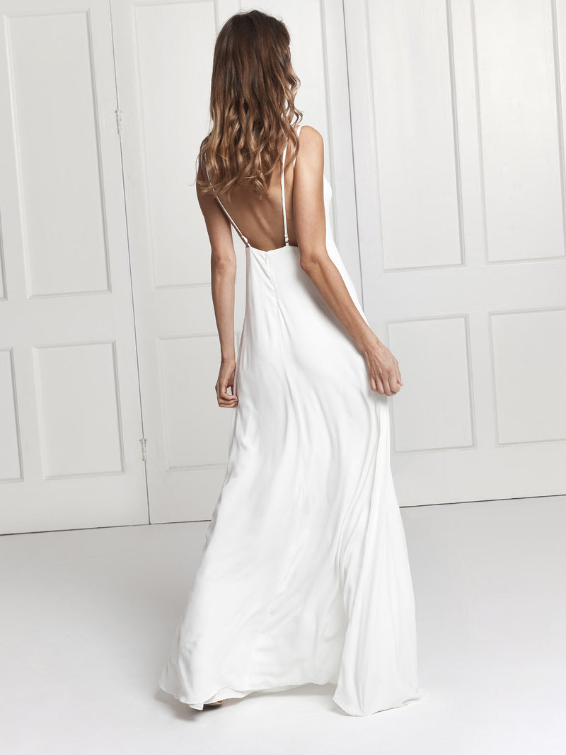The beautiful Sienna wedding dress