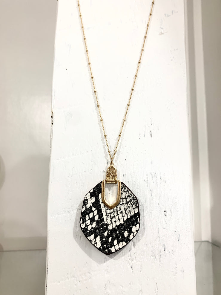 Hexagon snake necklace black
