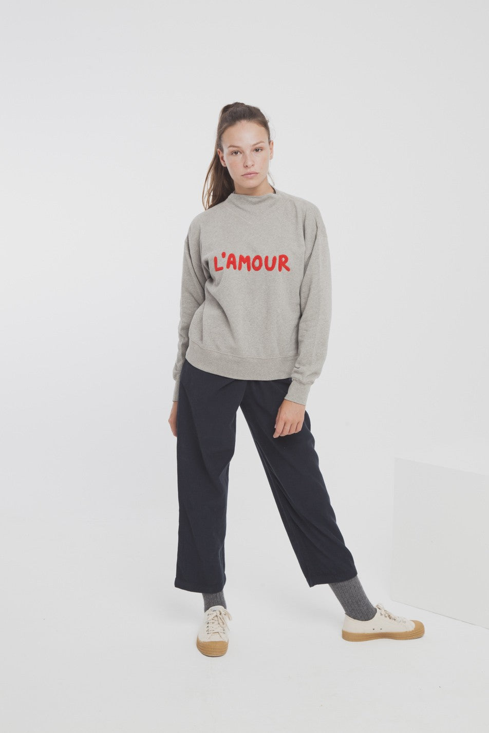 Thinking Mu - Sweat gris en coton bio l'amour