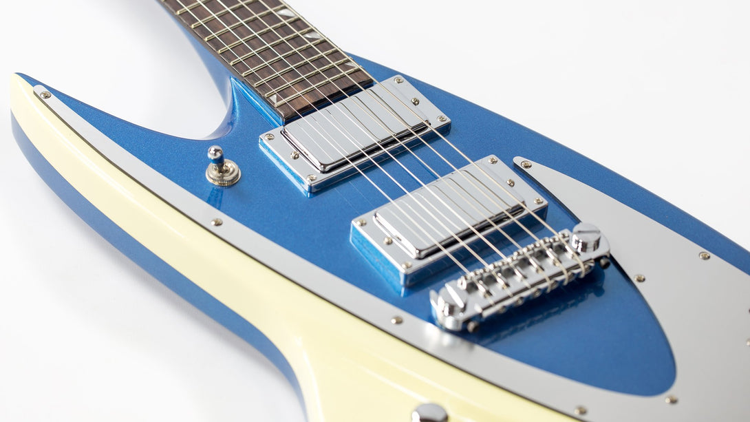 Eastwood Guitars Backlund 400 Metallic Blue LH Closeup