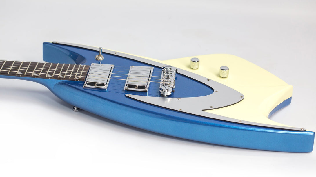 Eastwood Guitars Backlund 400 Metallic Blue Player POV