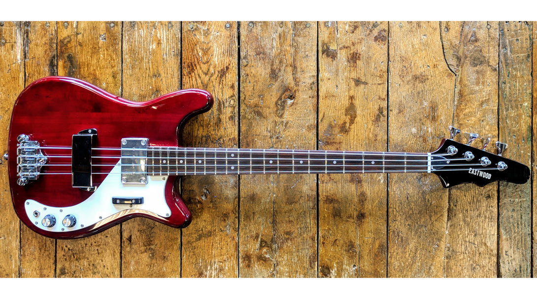 Eastwood Guitars Eastwood Newport Bass Cherry Closeup