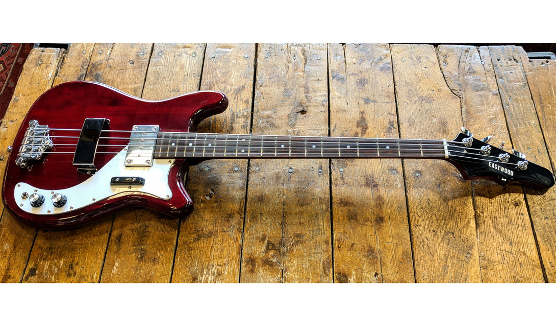 Eastwood Guitars Eastwood Newport Bass Cherry Angled